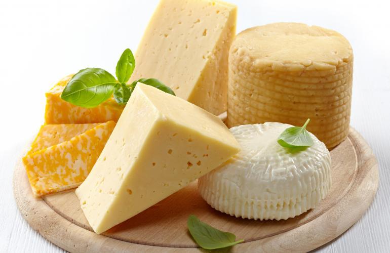 quesos-fortalecen-los-dientes